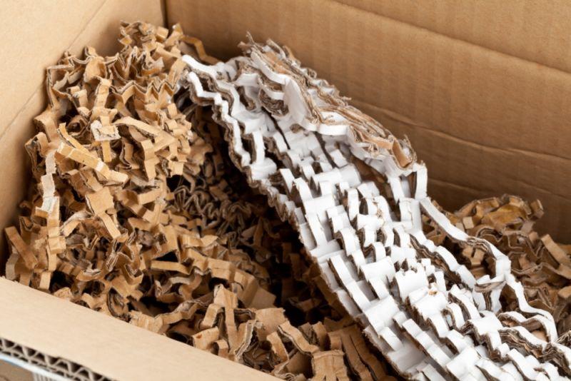Material pentru umplutură din carton tocat