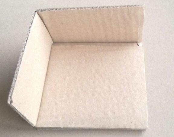 Colțar din carton cu latura de 100mm si grosimea de 40mm, CO5N, valahia