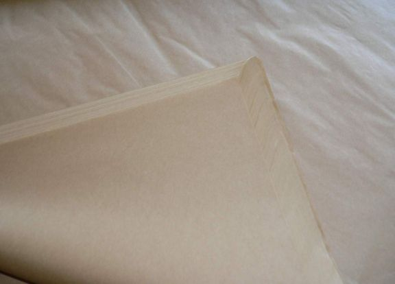 Hârtie kraft albă pentru ambalat 750x1000mm (set 25kg)